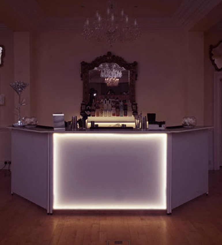elegant-bar-home-right